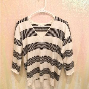 Madewell black and white vneck sweater